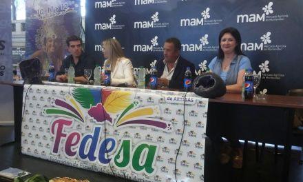 El Carnaval de Artigas se presenta en la capital del país