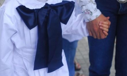 VIRAL: MADRE DENUNCIA QUE EN UNA ESCUELA PÚBLICA DE LA CIUDAD SE DISCRIMINÓ A DIEZ NIÑOS DURANTE UNA MERIENDA COMPARTIDA