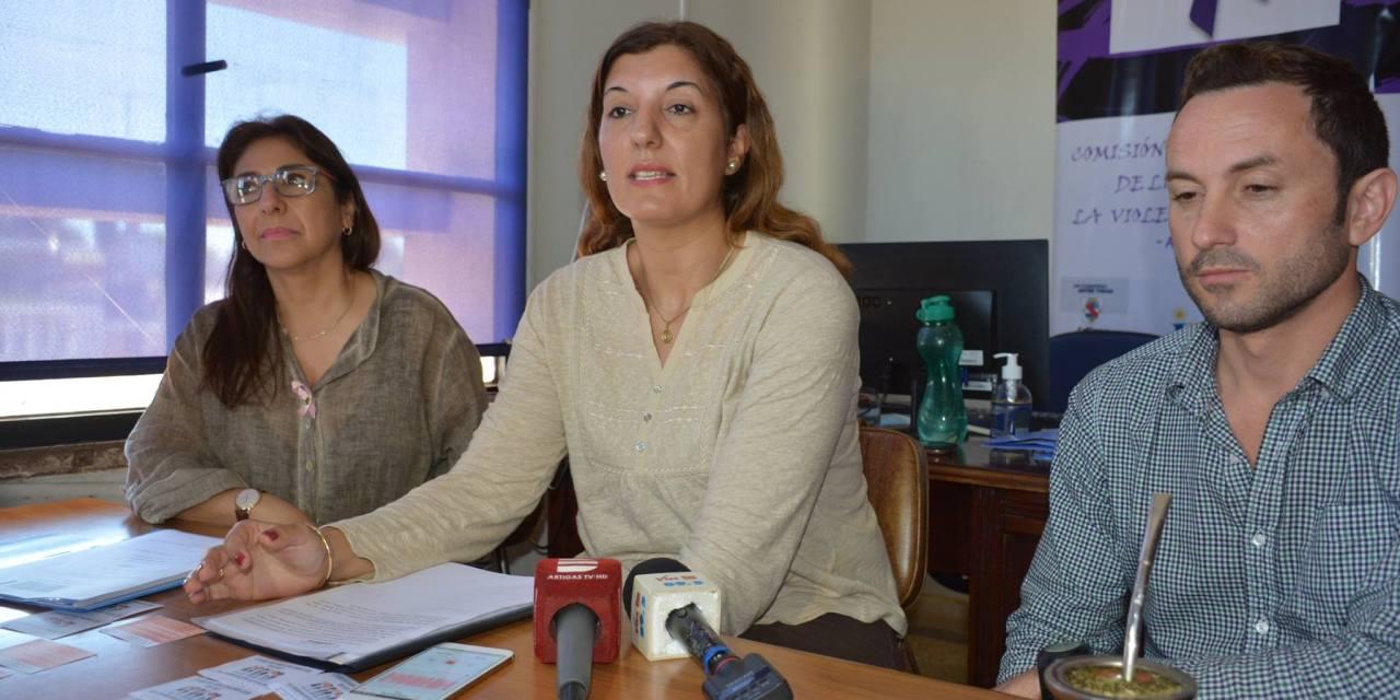 """Se presentó en Artigas la Campaña """"Noviazgos libres de violencia, 50 días de reflexión"""" promueve la participación de la juventud"""