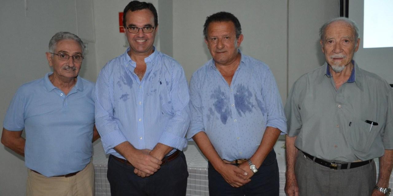 A CASA REPLETA PABLO BARTOL REALIZÒ UNA CHARLA SOBRE POLÍTICA SOCIAL