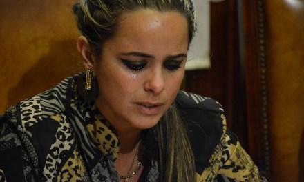 DIRECTORA GENERAL SE EMOCIONÓ AL MOSTRAR COMO VIVEN ALGUNAS PERSONAS EN GOMENSORO
