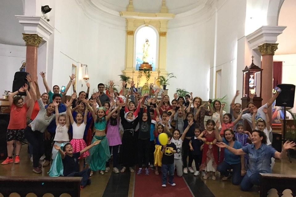 Holywins: Celebrar la santidad y no el día de las brujas