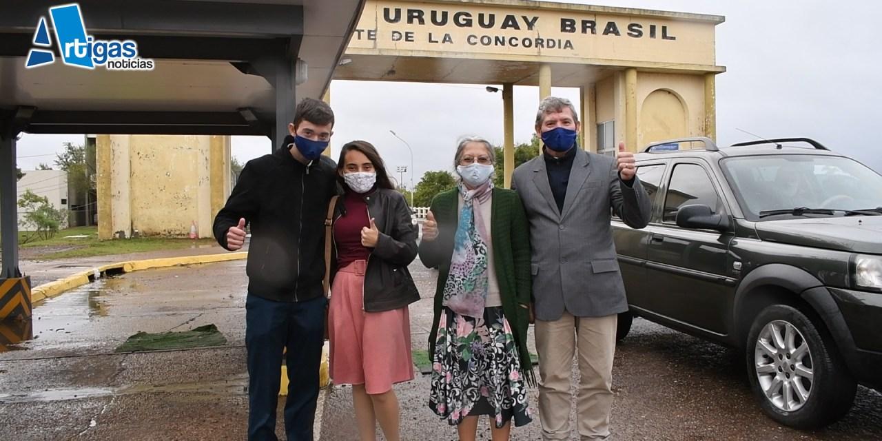 EL AMOR VENCE EL CORONAVIRUS:  SE CASARON EN BAHÍA Y QUEDARON VARADOS POR LA PANDEMIA DOS MESES, HOY REGRESARON A URUGUAY.