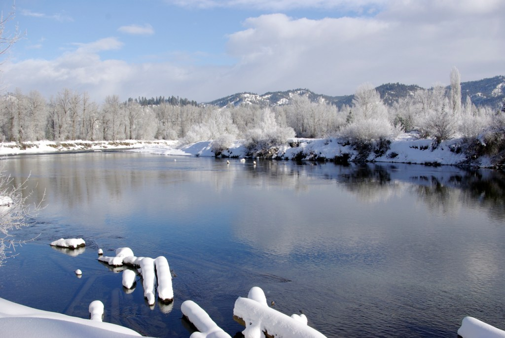 Snow and river in Leavenworth WA. Photography by L.E. Paulson.