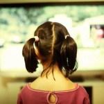 Efek Negatif TV Berlangganan pada Anak