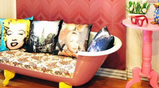 kursi dari bathtub pink