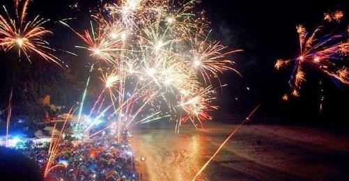tahun baru pantai parangtritis-min