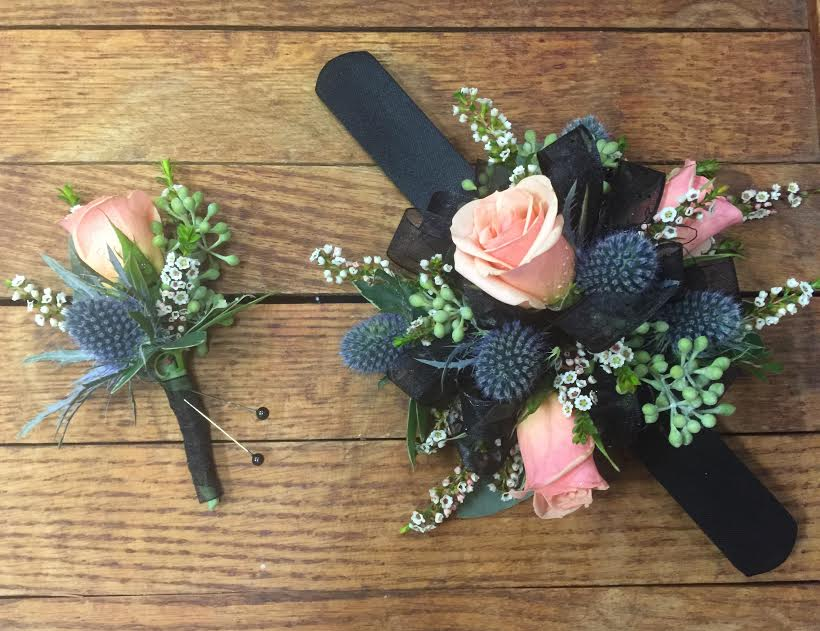 Thistle&roses_set