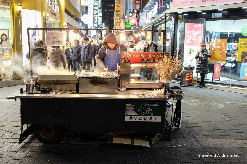 One of many food stalls in Myeongdong. / Photo by Ivan Angelo