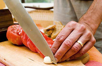 3-cut-garlic-edge-w-kitchen-knife.jpg