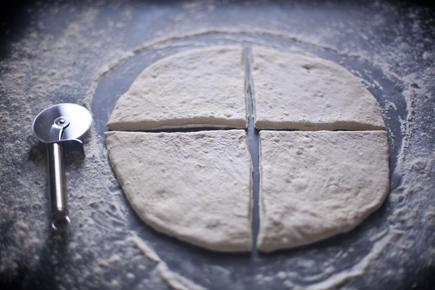 Olive Fougasse   Breadin5 04