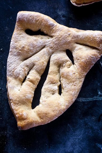 Olive Fougasse | Breadin5 08