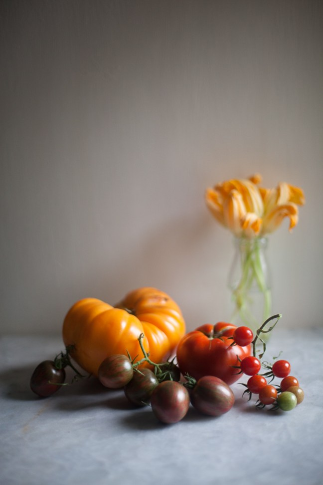 tomato pizza | Breadin5 photo by Zoë Francois