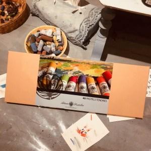 Couverture du coffret de 40 pastels secs et tendres de l'Artisan Pastellier