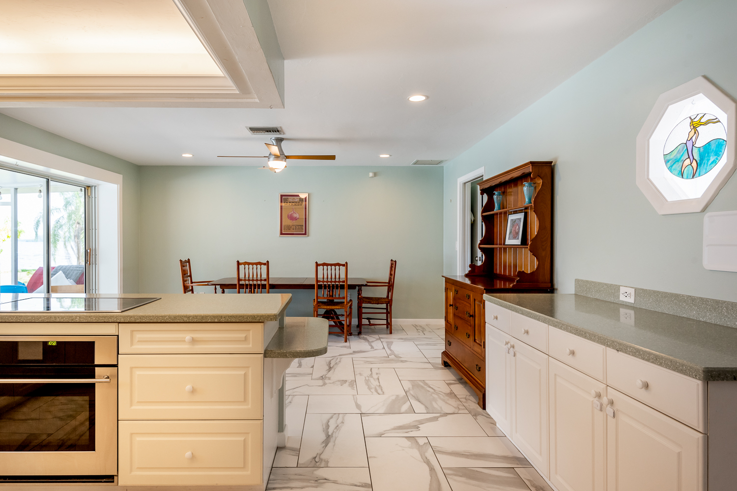 Fort-myers-fl-river-ranch-house-river-kitchen-dining-room