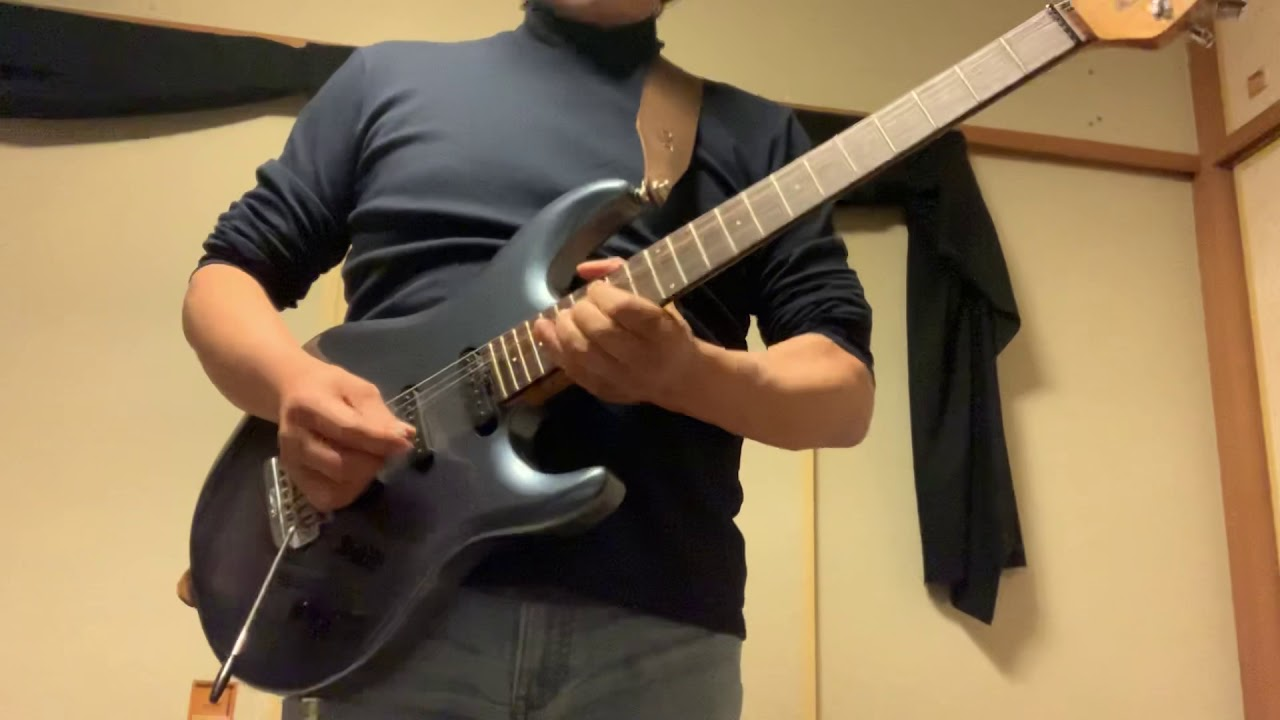 TOTO Cover HOLD THE LINE