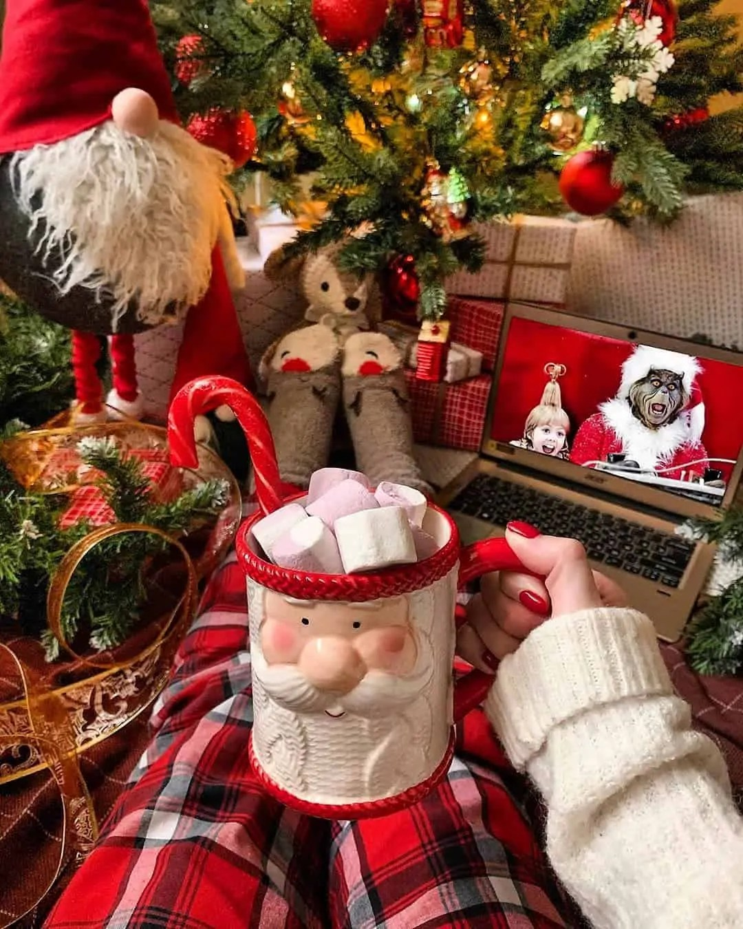 30 Christmas Aesthetic Images you must see: WARNING you will get Christmas mood INSTANTLY! 55
