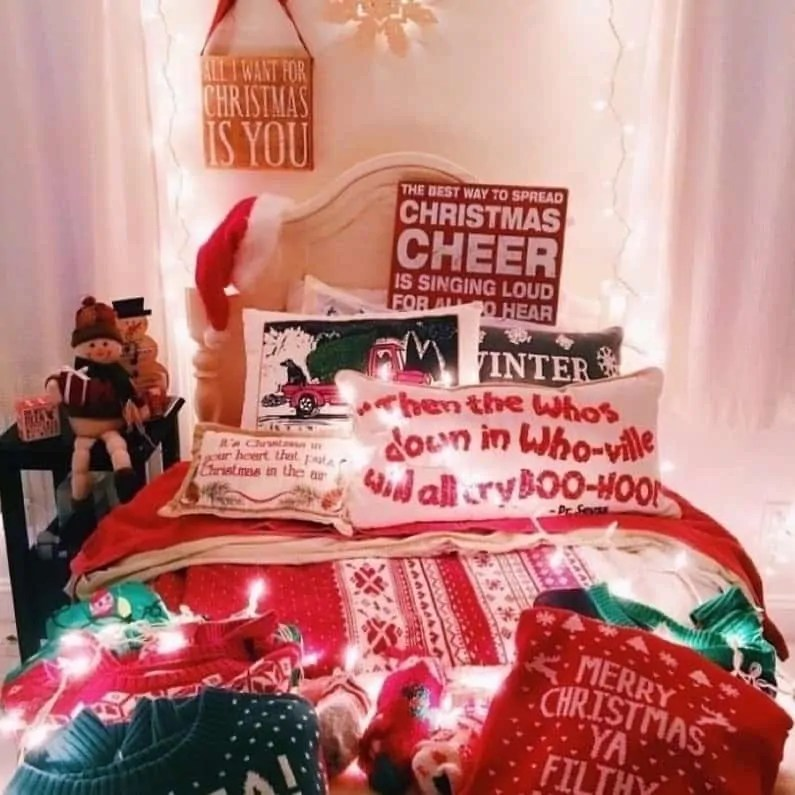 30 Christmas Aesthetic Images you must see: WARNING you will get Christmas mood INSTANTLY! 11