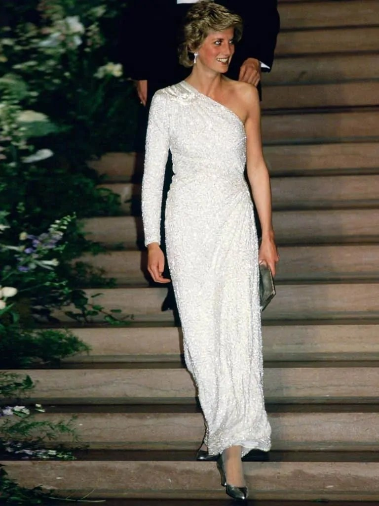 Princess Diana's Style: 150 Of The Most Iconic Princess Diana Fashion Moments 11