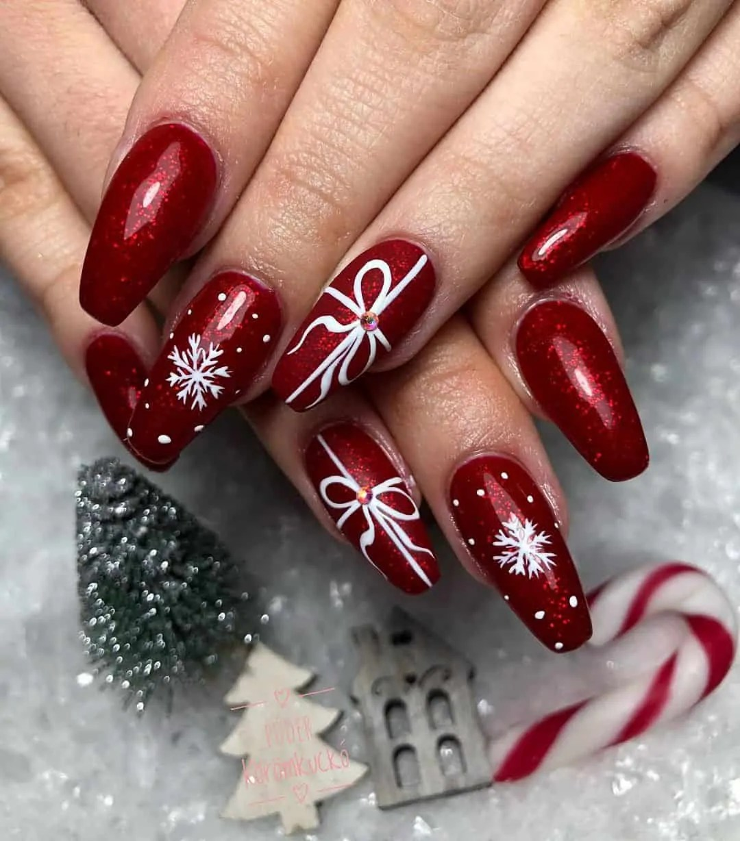 15+ Christmas Nail Ideas You Must See! 33