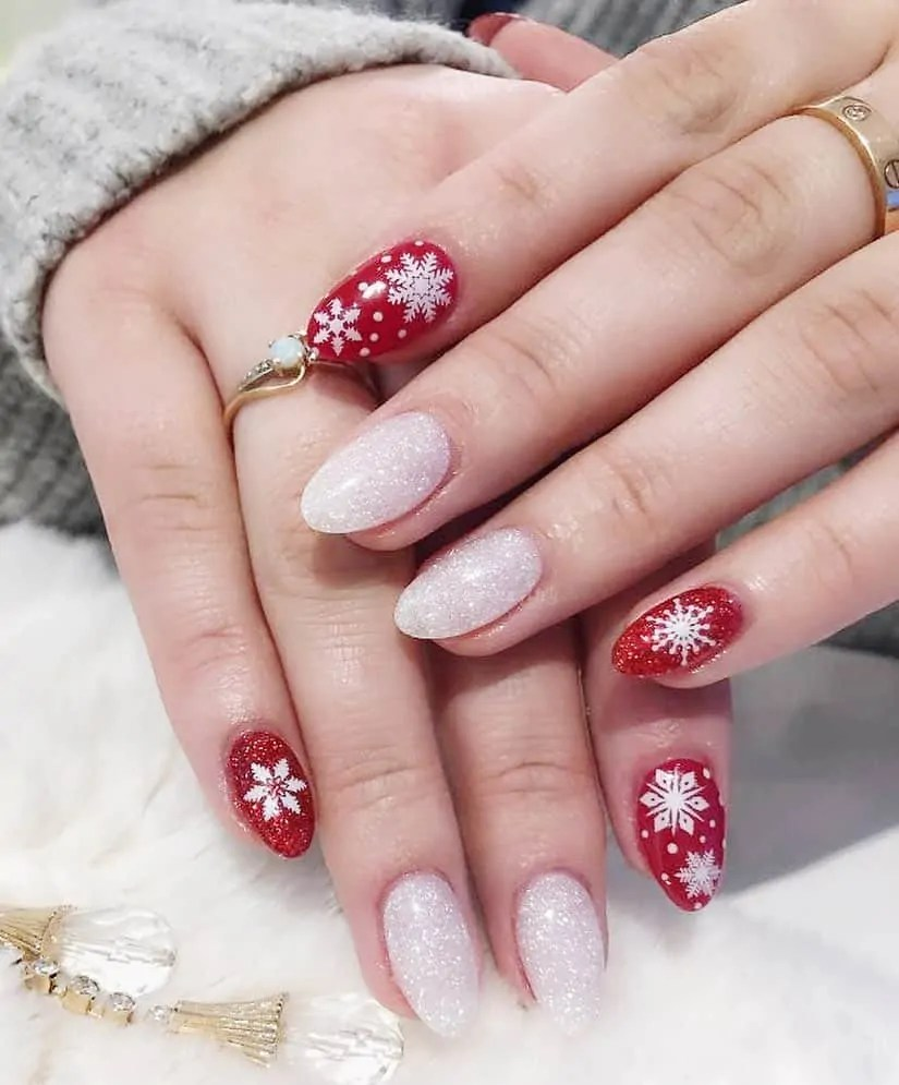 15+ Christmas Nail Ideas You Must See! 49