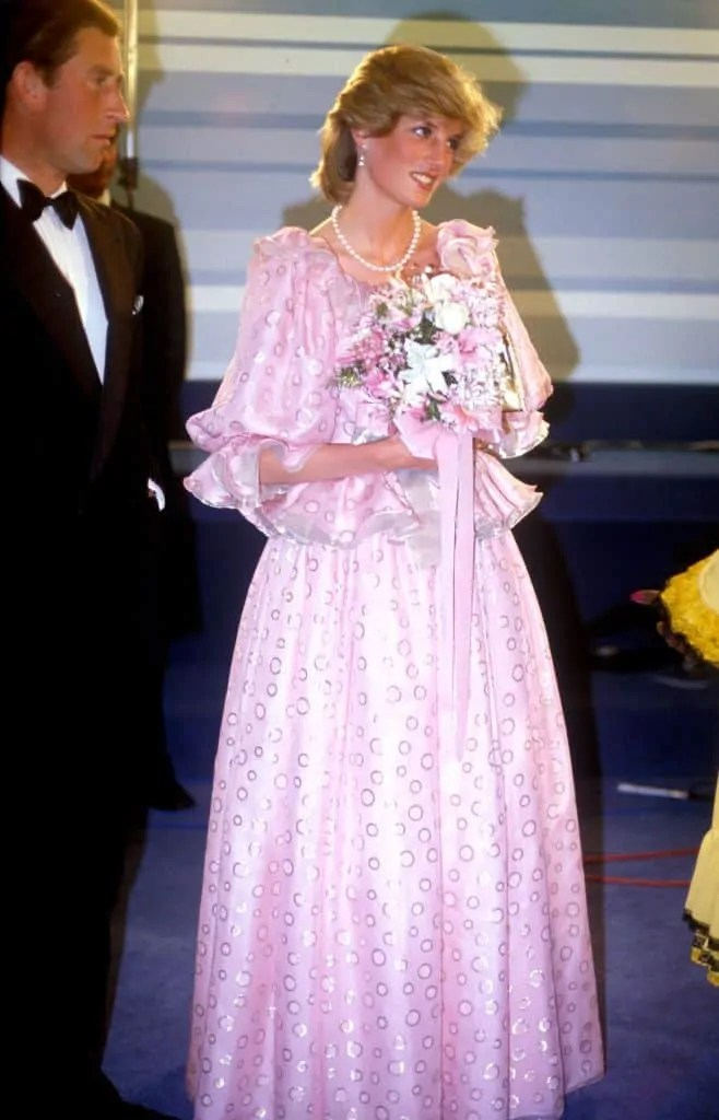 Princess Diana's Style: 150 Of The Most Iconic Princess Diana Fashion Moments 251
