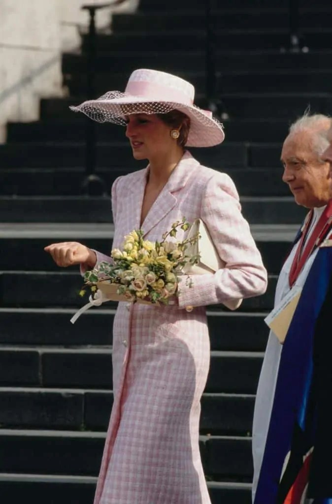 Princess Diana's Style: 150 Of The Most Iconic Princess Diana Fashion Moments 269