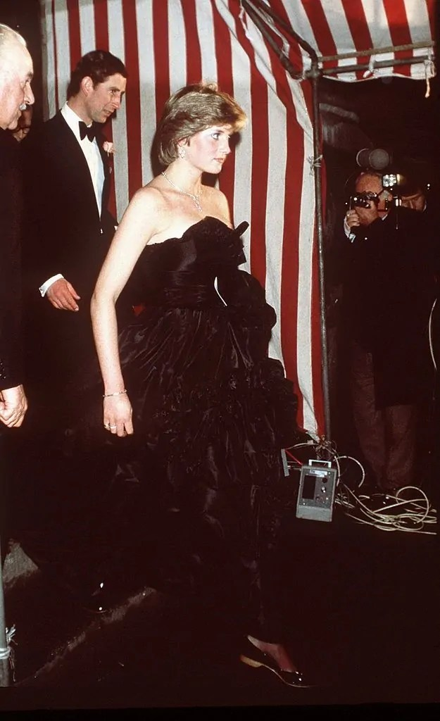 Princess Diana's Style: 150 Of The Most Iconic Princess Diana Fashion Moments 43