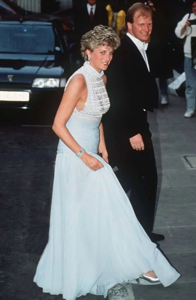 Princess Diana's Style: 150 Of The Most Iconic Princess Diana Fashion Moments 51