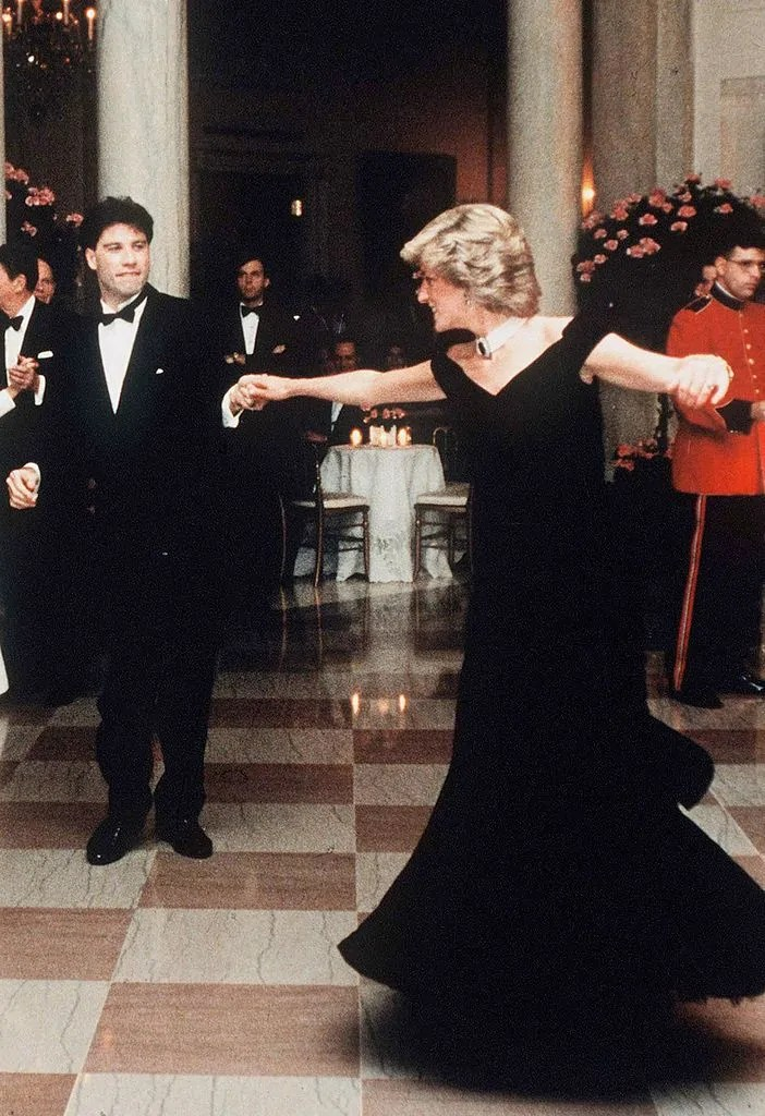 Princess Diana's Style: 150 Of The Most Iconic Princess Diana Fashion Moments 109