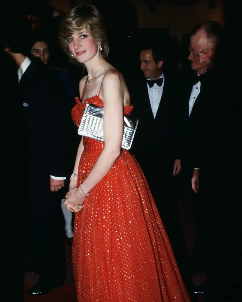 Princess Diana's Style: 150 Of The Most Iconic Princess Diana Fashion Moments 113