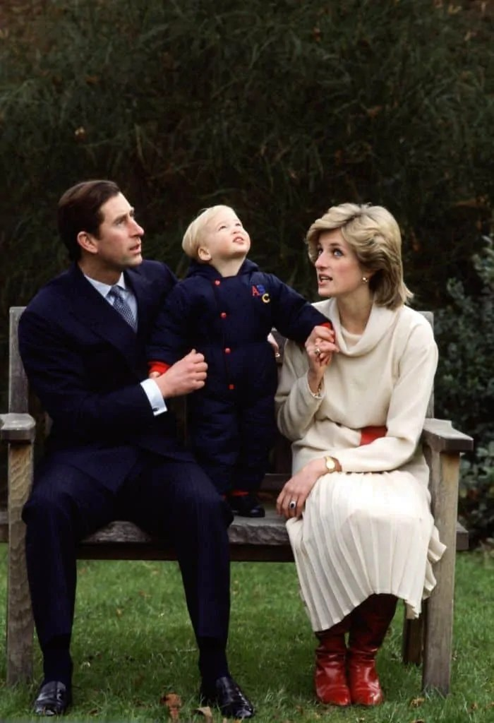 Princess Diana's Style: 150 Of The Most Iconic Princess Diana Fashion Moments 155