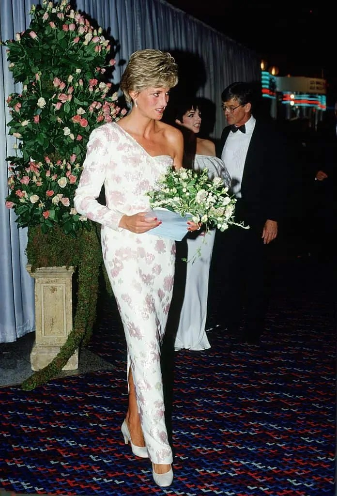 Princess Diana's Style: 150 Of The Most Iconic Princess Diana Fashion Moments 165