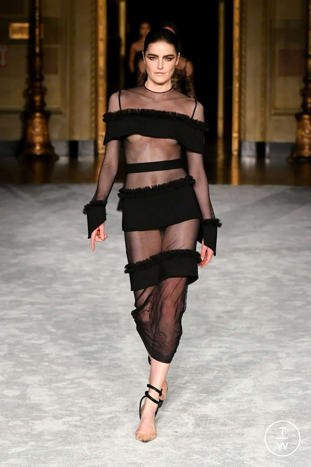 CHRISTIAN SIRIANO FALL/WINTER 2021 — Look 19