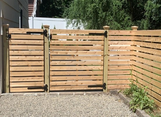 Horizontal wood flat top single fence gate