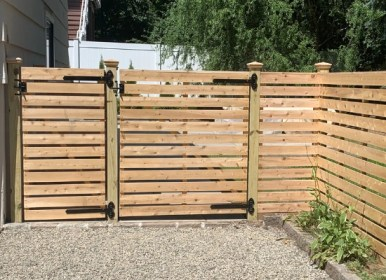 Horizontal wood flat top single fence gate