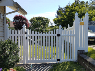Bar Harbor Spade Top Picket With Gothic Caps   Vinyl fence and gate