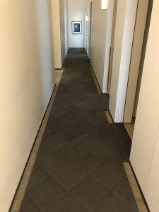 432 Park Ave hallway with pillowed tiles and Japanese pebble border