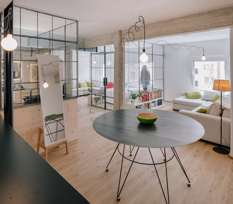 A Small And Functional Apartment By Manuel Ocaa