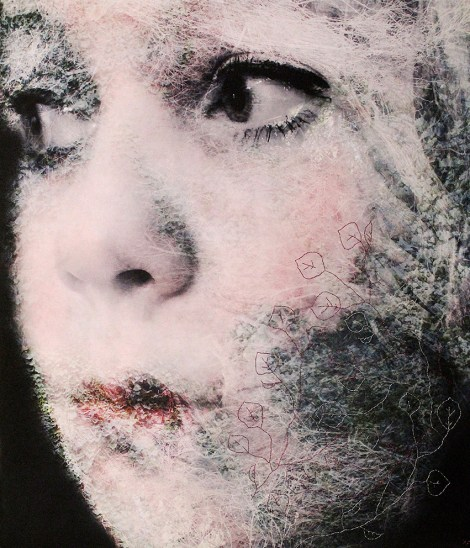 Title:The Glance Medium:	Photography on Cotton, Enmbroidery Detai Size:	90 x 80 cm
