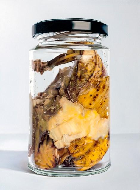 Title:Banana in Jar Medium: oil Size:102cm x 76cm