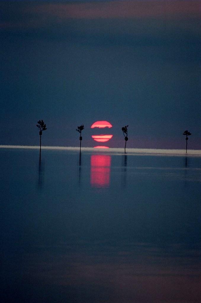 Title:Rock Harbor Sunset Medium:Photography Size:297 MB