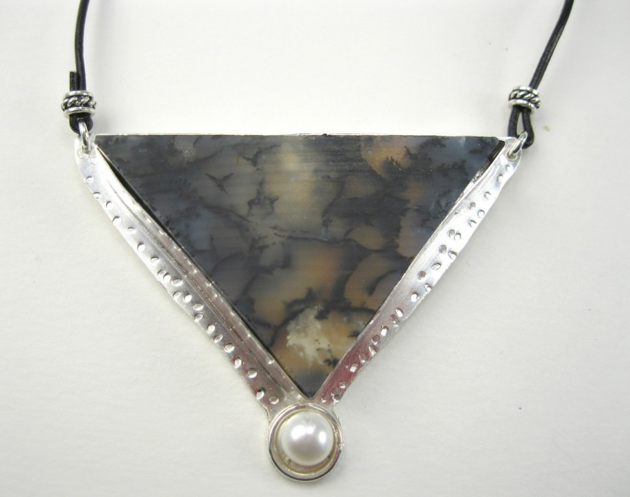 Title Head Over Heart Medium Silversmithed Jewelry Size 3x3
