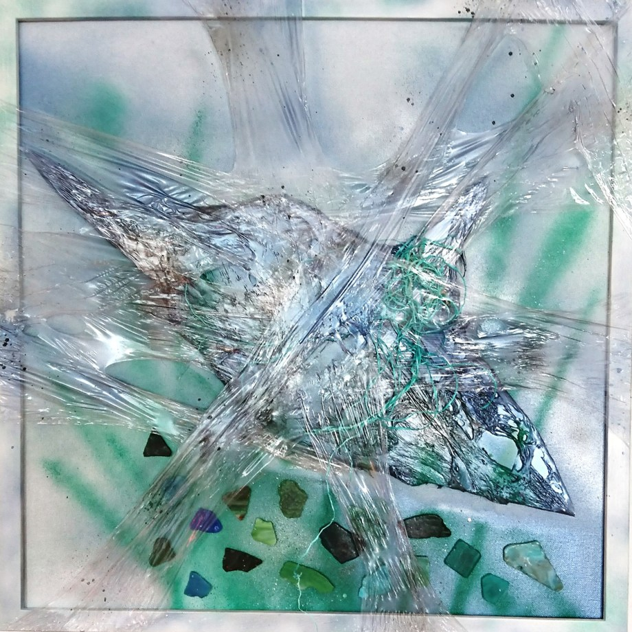 Title Caught - The oceans suffocate in plastic Medium Mixed Media Size 50x50cm