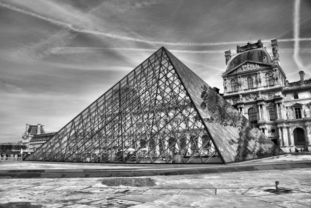 Louvre Medium Photography Size 16x20