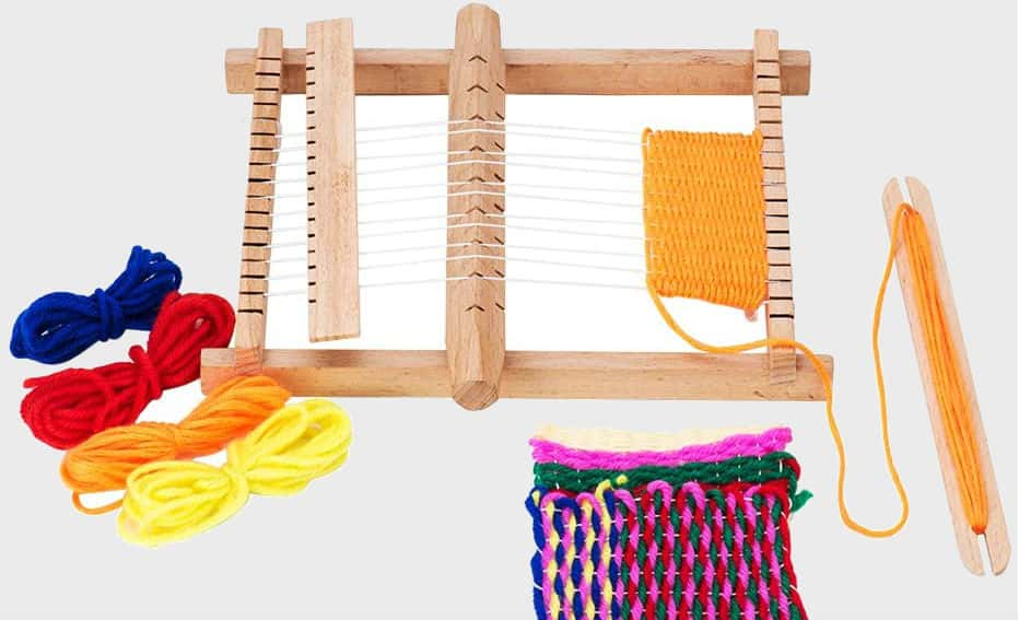 How To Use A Weaving Loom (Guide From Expert)