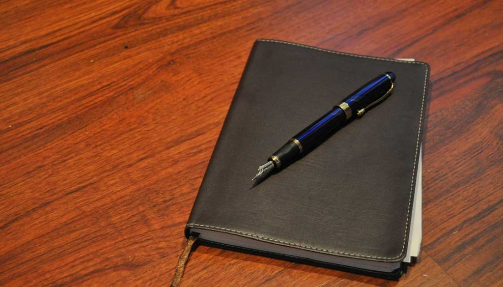 7 Best Journals for Fountain Pens [Reviews and Buyer's Guide for 2021]