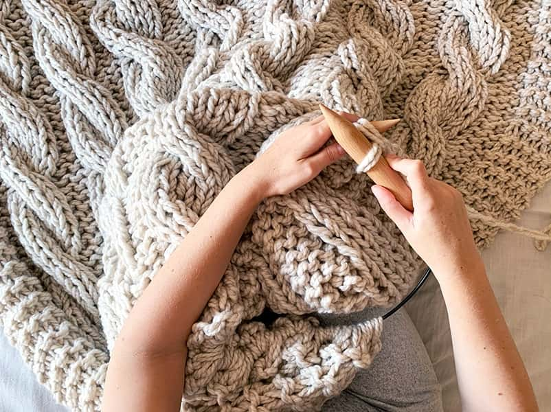 How to Knit a Chunky Blanket with Needles?