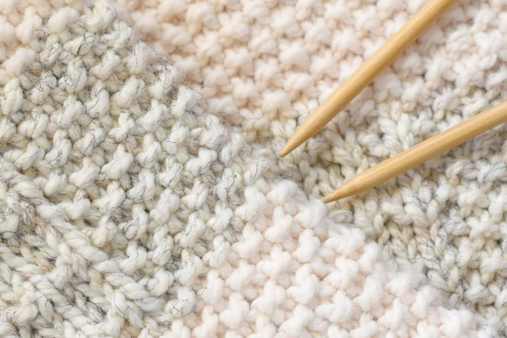 How to Knit a Blanket With Straight Needles?
