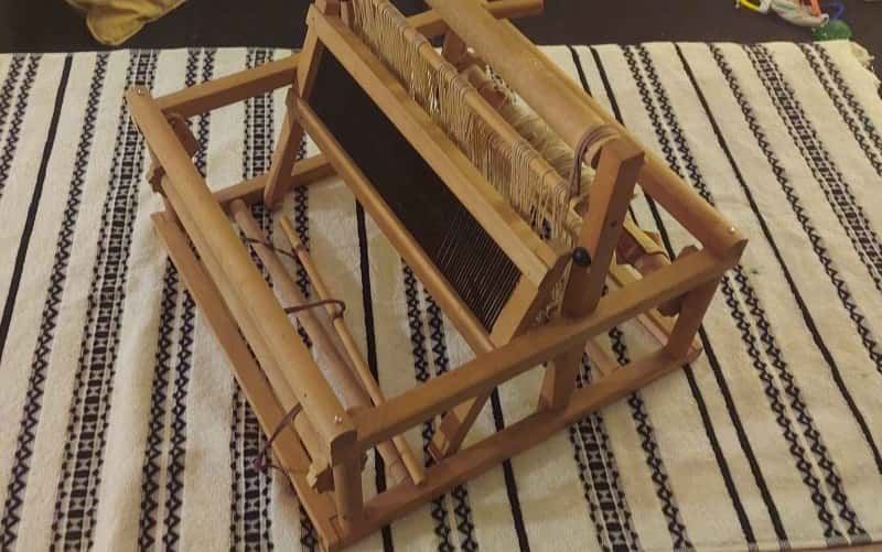 How to Make a Weaving Loom?